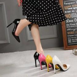 Decoltè tacco alto 11 cm. Un paio di scarpe per chi vuole osare.
